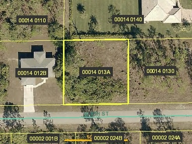 902 W 9th ST, Lehigh Acres, FL 33972