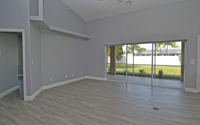 317 SE 20th St, Cape Coral, FL 33990