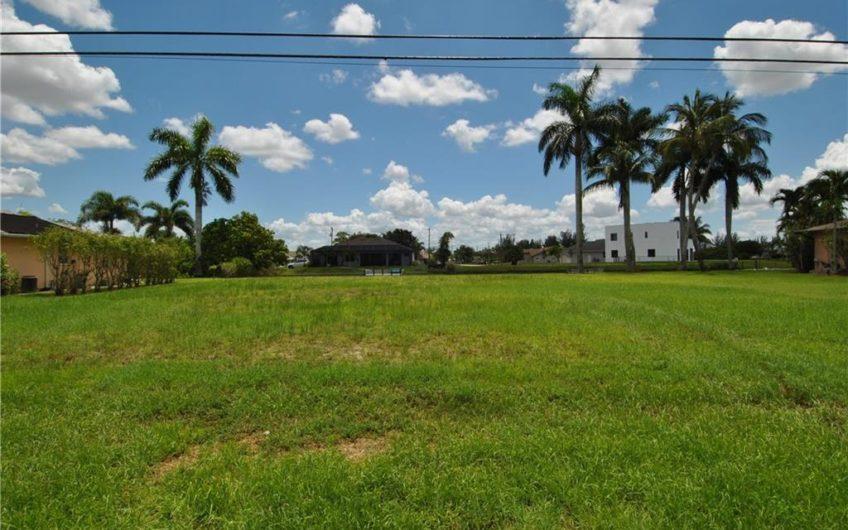 1943 SW 6th Ave, Cape Coral, FL 33991
